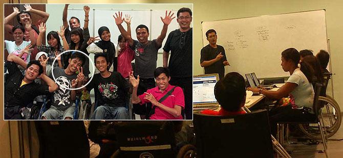 I Made Wahyu Diatmika ketika mengikuti pelatihan internet di Yayasan Puspadi Bali.